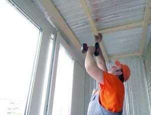 Фото: Обрешетка потолка под пластиковые панели