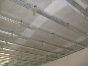 Каркас для гипсокартона на потолок: фото и схема гипсокартонной конструкции