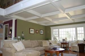 Фото: Потолок в гостиной