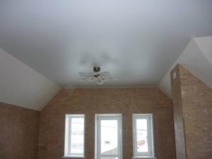 Фото: Натяжные потолки на дачу