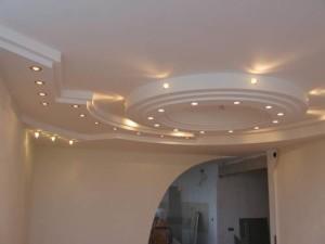 Потолок из гипсокартона — как построить гипсокартонную конструкцию своими руками?
