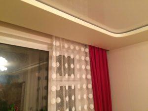 Гардины для натяжных потолков — как выбрать и установить карнизы под гардинные полотна?