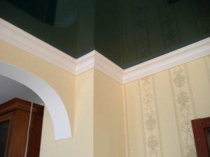 Плинтус для натяжного потолка — важная деталь дизайна потолочной поверхности