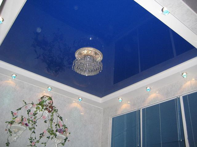 Фото: Синий потолок