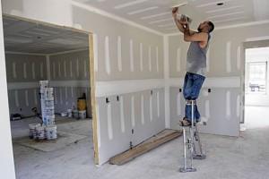 Ремонт потолков из гипсокартона — устранение потолочных дефектов своими руками