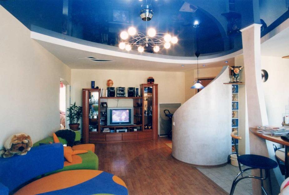 Фото: Вид в интерьере гостиной