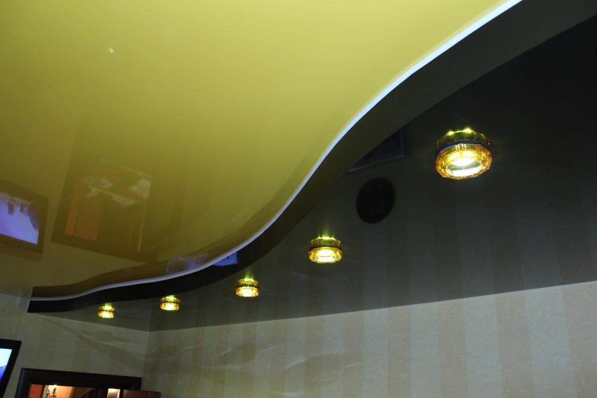 Персиковый потолок