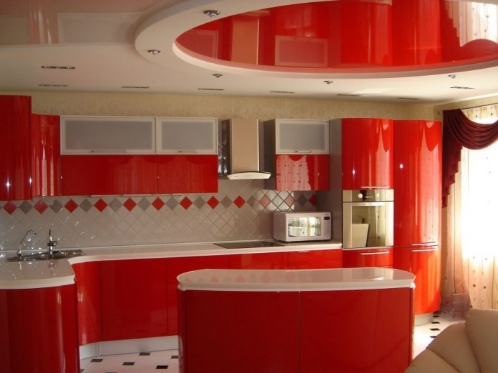 Фото: Красная кухня