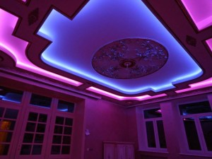 Светодиодная лента под натяжным потолком — экономное освещение помещения