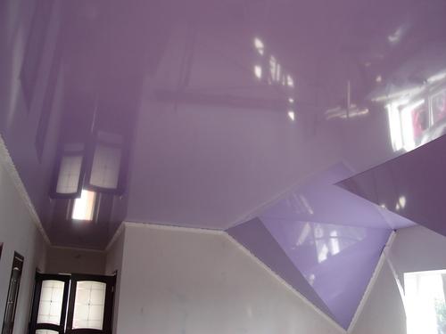 Натяжные потолки в мансарде — стильное решение в оформлении интерьера