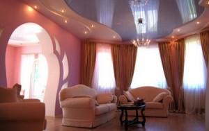 Фото: 2-ух уровневый натяжной потолок с двумя типами освещения