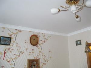 Сначала обои или натяжной потолок?
