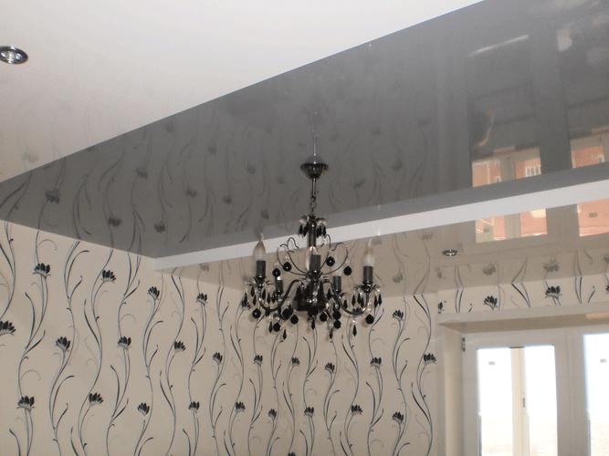 Фото: Серый натяжной потолок
