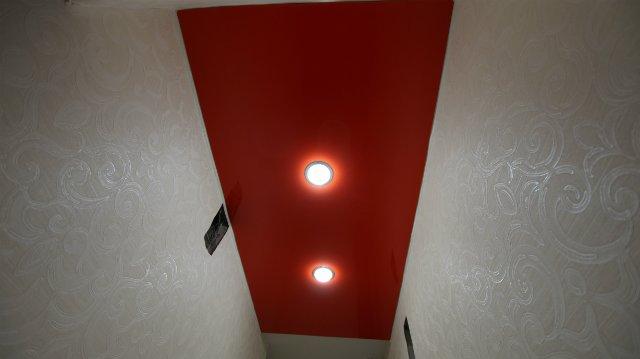 Фото: Фото натяжных потолков в туалете