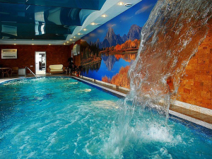 Фото: Поверхность в бассейне