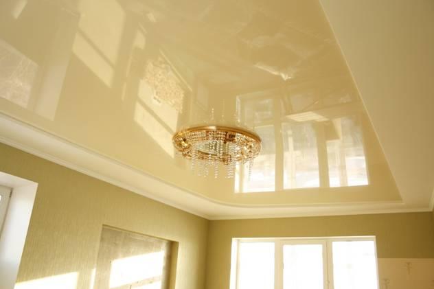 Бежевый натяжной потолок — создание атмосферы уюта и комфорта