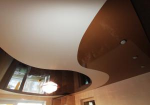 Фото: Спайка натяжных потолков