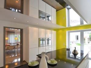 Зеркальный натяжной потолок — неповторимый интерьер у вас дома