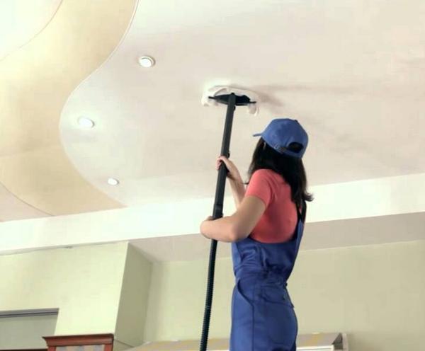 Фото: Чистить поверхность необходимо жидкими моющими средствами