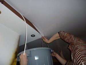 Фото: Вывод воды через край материала