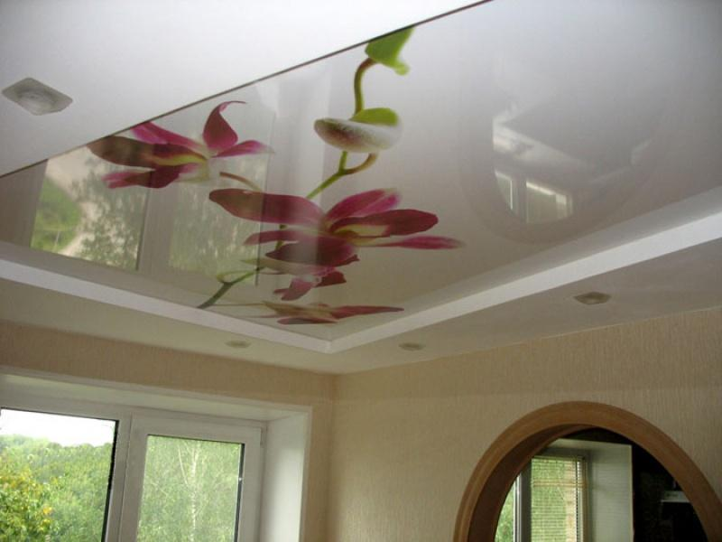 Фото: Рисунки на потолках