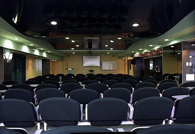 Фото: Пример применения поверхности в залах