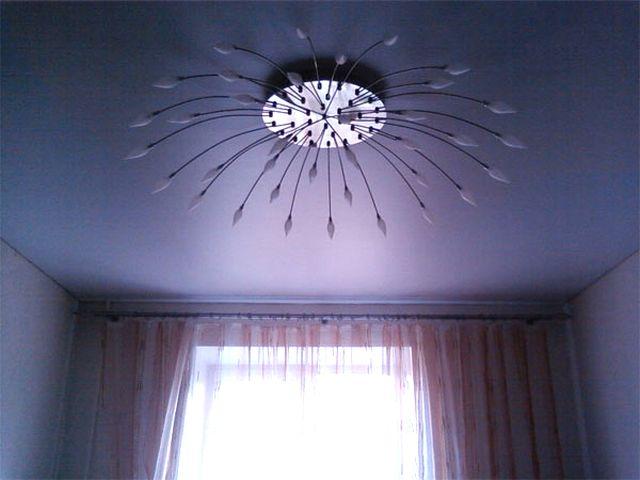 Фото: Матовые навесные потолки