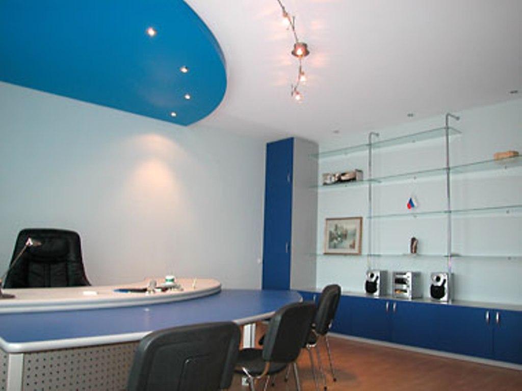Натяжные потолки в офис — как подчеркнуть статус компании?