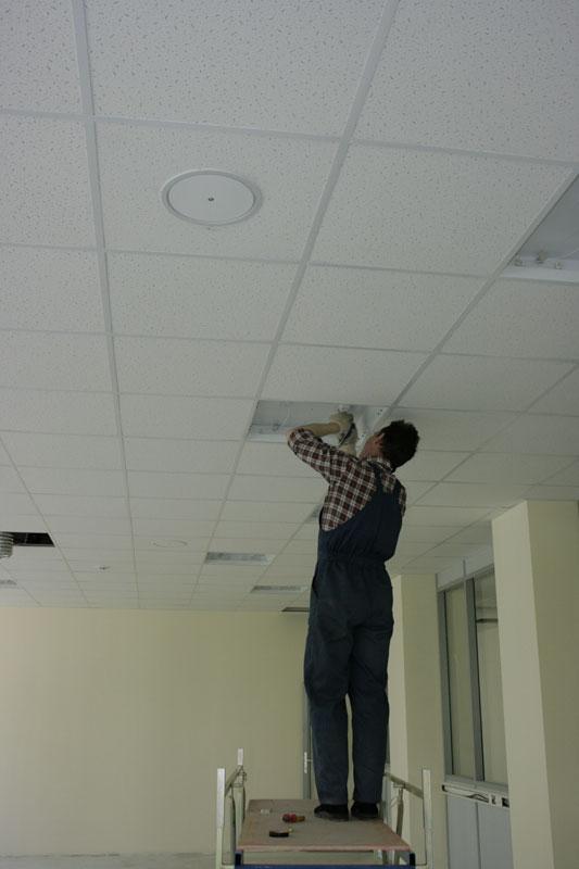 Plaque miroir plafond nantes estimation prix m2 for Renover plafond abime