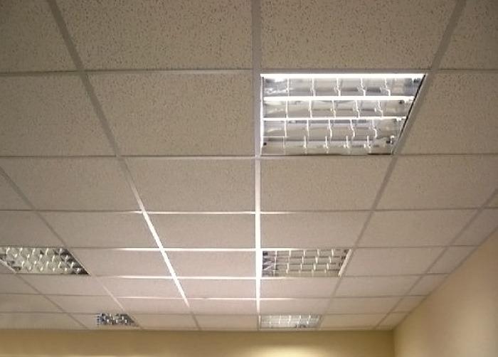 Светильники для подвесного потолка «Армстронг» — практичные лампы в любом помещении
