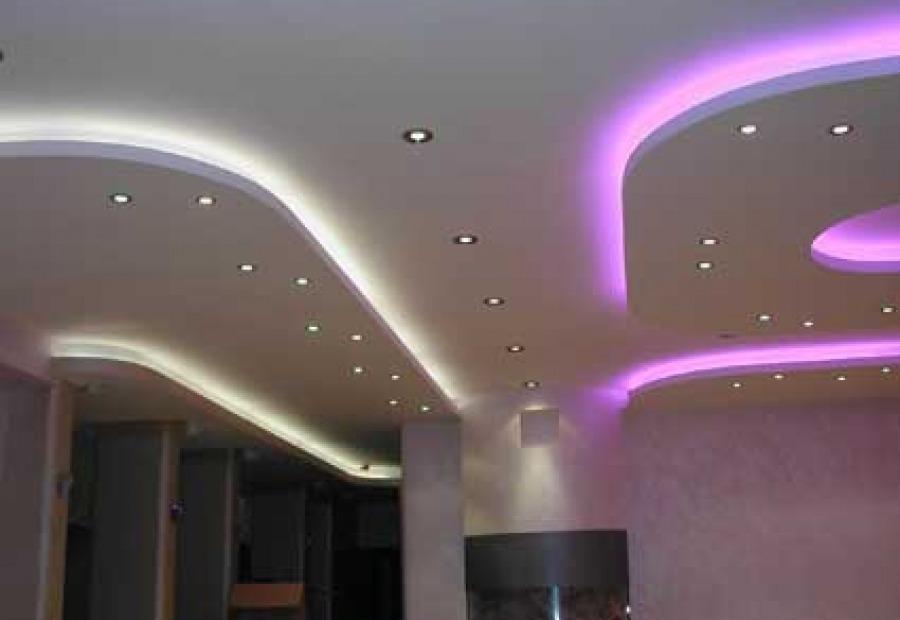 Фото: Подвесной потолок с подсветкой