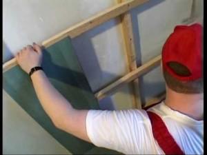 Фото: Демонтаж потолка из гипсокартона