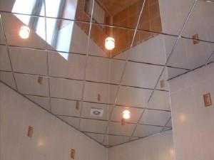 Фото: Зеркальный потолок