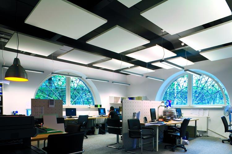 Фото: Ecophon — производитель подвесных потолочных систем из Швеции